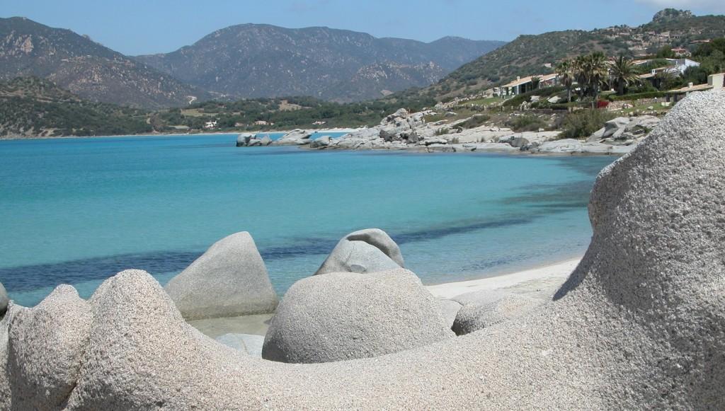 Villasimius_(Sardinien)_Badestrand_Bizarre_Felsen-hq